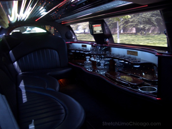 Lincoln Town Car Stretch Limousines 6 8 10 Passenger Limos
