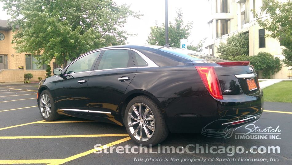 cadillac xts outside view