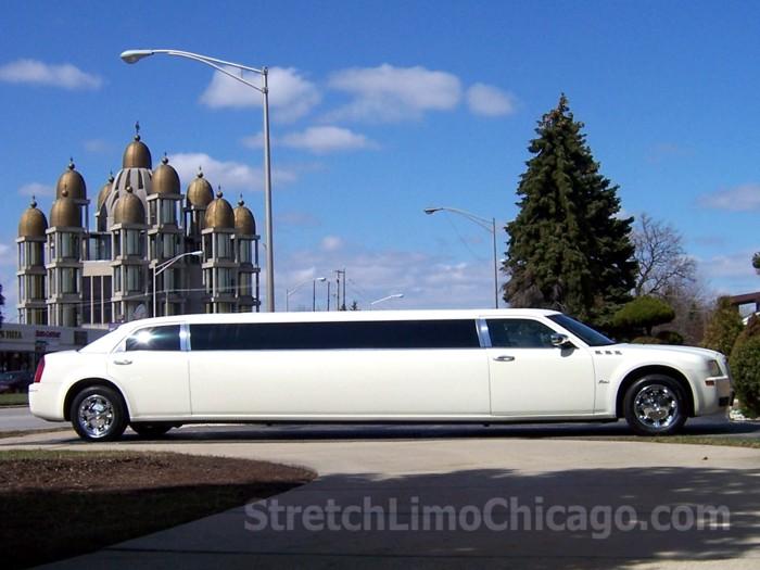 chicago Chrysler 300 limousine