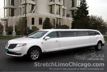 White Lincoln MKT Limo