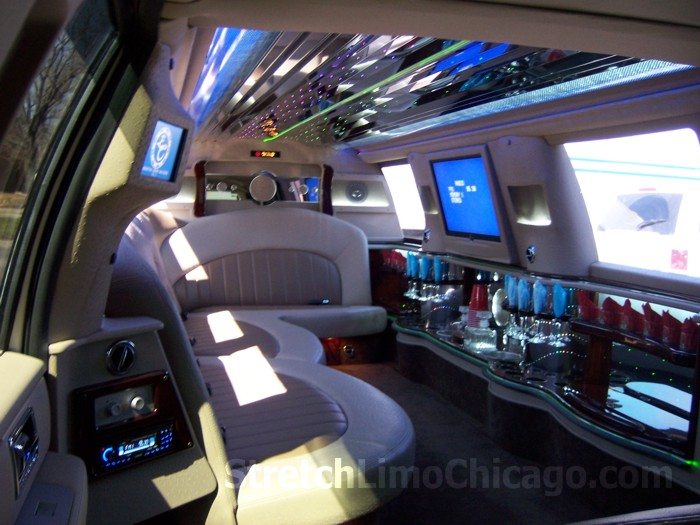 Lincoln Navigator limo rental chicago